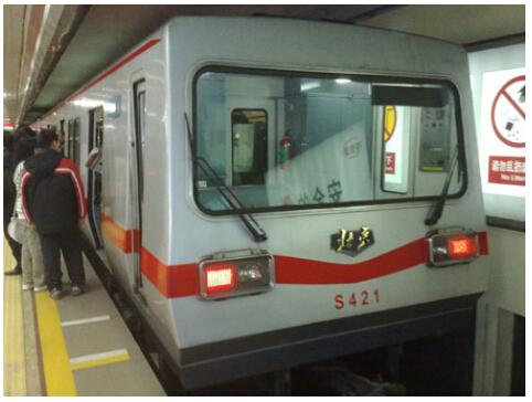 地铁车载空调电路